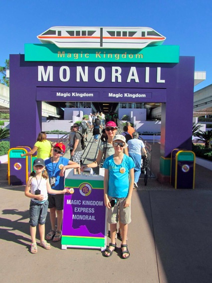 how to catch the monorail to ashford